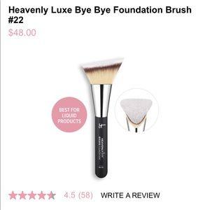It Cosmetics Heavenly Luxe Brush No. 22